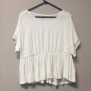 short sleeve white t-shirt